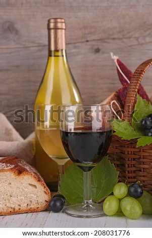wineglasses with grapes and bread