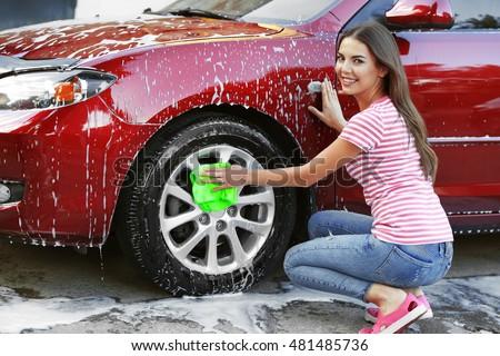 naked women at car washes