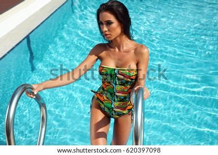 Water sexy women — photo 4