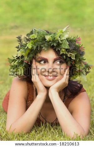 woman Wreath white young green nature provance