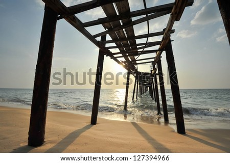 wooden fisherman bridge, pang-nga Thailand