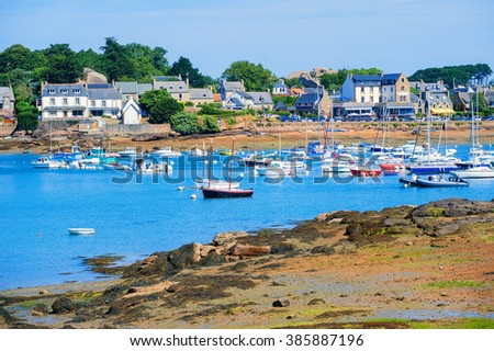 Yachts in a bay of Tregastel town on Cote de Granit Rose, Atlantic ocean, Brittany, France