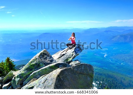 Woman Victory Pose On Mountain Top Stock Photo - Mountains in the united states