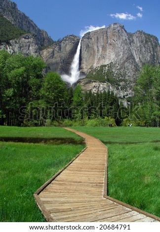 Yosemite Falls in Yosemite Valley