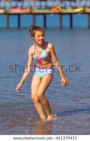 Fat bottom girls bikini