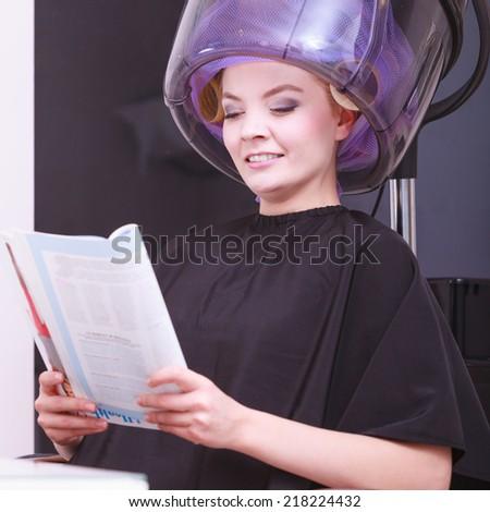 Haidryer stock photos royalty free images vectors for Reading beauty salon