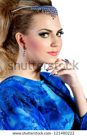 Makeup for blue evening dress