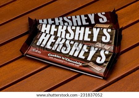 ZAGREB , CROATIA - NOVEMBER 19 , 2014 : American Hershey's chocolate bar cookies 'n' chocolate on the table  ,product shot - stock photo