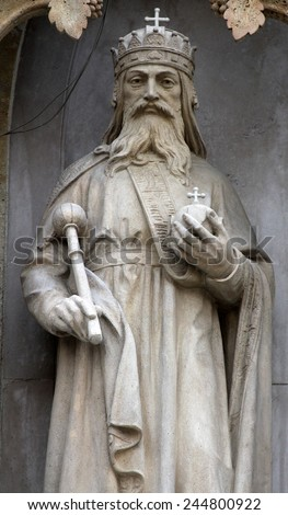 ZAGREB, CROATIA - SEPT 26: Statue of St. Stephen the king on the portal of the cathedral dedicated to the Assumption of Mary and to kings Saint Stephen and Saint Ladislaus in Zagreb on Sept 26, 2013.